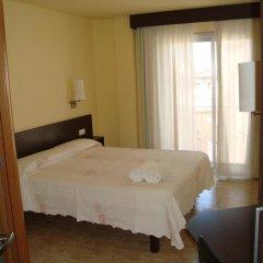 Отель Hostal Sant Sadurní Стандартный номер с двуспальной кроватью фото 7