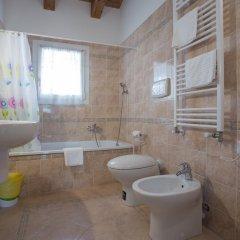 Отель Borgo Pertile Италия, Стра - отзывы, цены и фото номеров - забронировать отель Borgo Pertile онлайн ванная фото 2