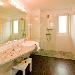 Hotel Appartements Graf Hartwig Сцена ванная
