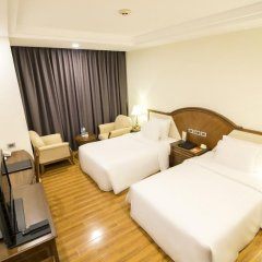 Saigon Halong Hotel 4* Улучшенный номер с 2 отдельными кроватями фото 2
