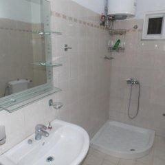 Отель Lengu Holidays Houses Албания, Саранда - отзывы, цены и фото номеров - забронировать отель Lengu Holidays Houses онлайн ванная фото 2
