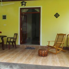 Отель Lanka Rose Guest House Номер Делюкс с различными типами кроватей фото 5