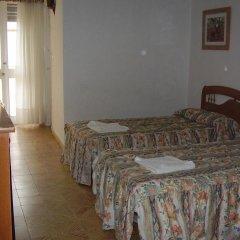 Отель Hostal Pineda Стандартный номер с двуспальной кроватью фото 2
