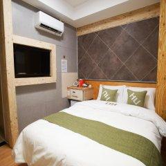 Отель D.H Sinchon Guesthouse 2* Стандартный номер с различными типами кроватей фото 10