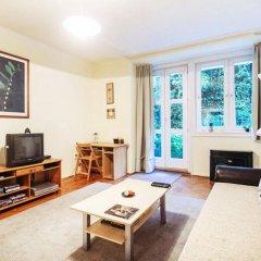 Апартаменты Toldy Apartment комната для гостей фото 2