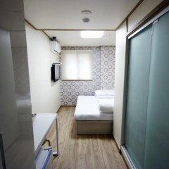 Отель Tomo Residence 2* Стандартный номер с 2 отдельными кроватями фото 4