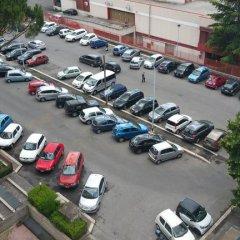 Отель Casa Vacanze Cinecitta'est парковка