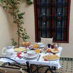 Отель Riad Sarah et Sabrina Марокко, Марракеш - отзывы, цены и фото номеров - забронировать отель Riad Sarah et Sabrina онлайн питание