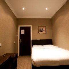 Newham Hotel 2* Номер с общей ванной комнатой с различными типами кроватей (общая ванная комната) фото 2