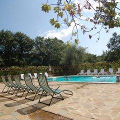 Отель Sinia Vir Eco Residence Болгария, Сливен - отзывы, цены и фото номеров - забронировать отель Sinia Vir Eco Residence онлайн бассейн фото 2