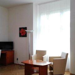 Hotel Jana / Pension Domov Mladeze Люкс с различными типами кроватей фото 4