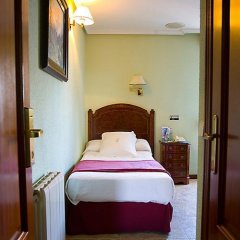 Отель Hostal Astoria Стандартный номер с различными типами кроватей фото 6