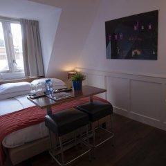 Lange Jan Hotel 2* Номер с общей ванной комнатой с различными типами кроватей (общая ванная комната) фото 5