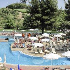 Lesse Hotel бассейн фото 4