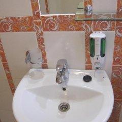 Гостевой дом Helen's Home Номер категории Эконом с 2 отдельными кроватями (общая ванная комната) фото 9