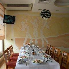 Отель Adamo Hotel Болгария, Варна - отзывы, цены и фото номеров - забронировать отель Adamo Hotel онлайн питание фото 2