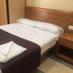 Отель Hostal Mont Thabor Улучшенный номер с различными типами кроватей фото 10