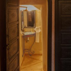 Отель Dar Ikalimo Marrakech 3* Стандартный номер с двуспальной кроватью фото 4