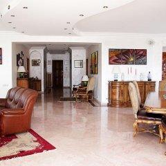 Апартаменты Rent in Yerevan - Apartments on Sakharov Square интерьер отеля фото 3