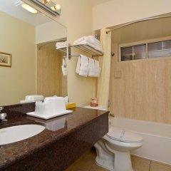 Отель Rodeway Inn Convention Center 2* Стандартный номер с различными типами кроватей фото 3