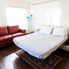 Апартаменты Heaven on Washington Furnished Apartments комната для гостей