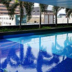 Отель Taragon Residences бассейн