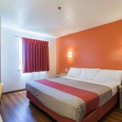 Отель Motel 6 Dale 2* Стандартный номер с различными типами кроватей