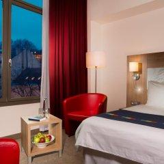Park Inn Hotel Prague 4* Улучшенный номер с двуспальной кроватью фото 4