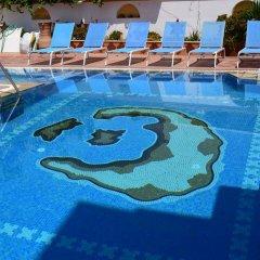 Отель Cyclades бассейн