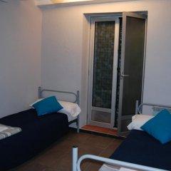 Ideal Youth Hostel Стандартный номер с различными типами кроватей фото 3