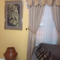 Апартаменты Jen 'N' Ive's Respite Apartment комната для гостей фото 2