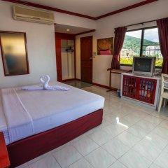 Отель Baan Phil Guesthouse комната для гостей