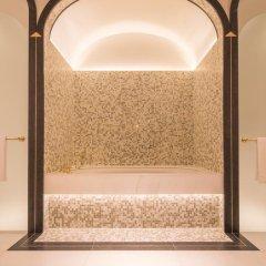Four Seasons Hotel London at Ten Trinity Square 5* Представительский номер с различными типами кроватей фото 3