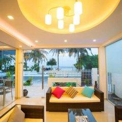 Отель The White Harp Beach Hotel Мальдивы, Мале - отзывы, цены и фото номеров - забронировать отель The White Harp Beach Hotel онлайн бассейн