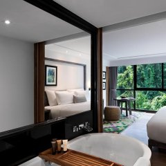 Отель The Nai Harn Phuket 4* Стандартный номер с двуспальной кроватью фото 6