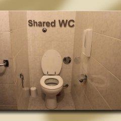 Отель Fiori 2* Стандартный номер с двуспальной кроватью (общая ванная комната) фото 2