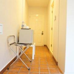Отель Ratchadamnoen Residence 3* Стандартный номер с двуспальной кроватью фото 5