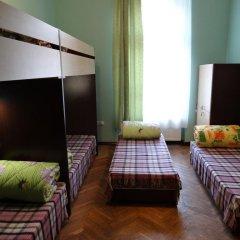 Happy Hostel Кровать в общем номере с двухъярусными кроватями фото 2