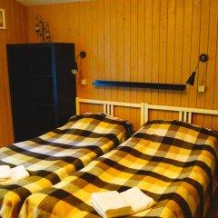 Гостевой дом У пруда Апартаменты с 2 отдельными кроватями фото 13