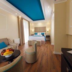 Гостиница Голубая Лагуна Люкс с двуспальной кроватью фото 12