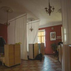 Hostel Jamaika Кровать в общем номере с двухъярусной кроватью