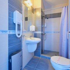 Отель Family Hotel Regata Болгария, Поморие - отзывы, цены и фото номеров - забронировать отель Family Hotel Regata онлайн ванная фото 3