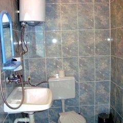 Отель Shishkovi Guesthouse Болгария, Чепеларе - отзывы, цены и фото номеров - забронировать отель Shishkovi Guesthouse онлайн ванная