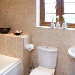 Отель Red House Farm Cottages ванная