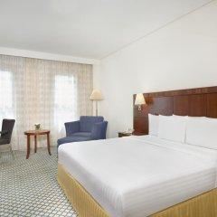 Отель Courtyard by Marriott Dubai Green Community Стандартный номер с различными типами кроватей