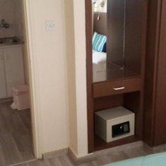 Отель Pasianna Hotel Apartments Кипр, Ларнака - 6 отзывов об отеле, цены и фото номеров - забронировать отель Pasianna Hotel Apartments онлайн сейф в номере
