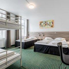 Good Morning + Copenhagen Star Hotel 3* Стандартный семейный номер с двуспальной кроватью фото 3