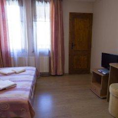 Отель Rai Guest House Шумен комната для гостей фото 5