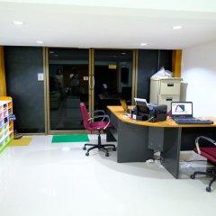 Donmueang Airport Residence Hostel интерьер отеля фото 3