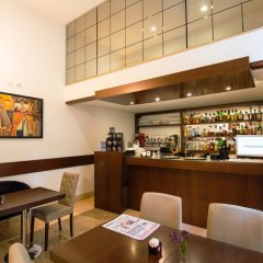 Отель Boutique Hotel Kotoni Албания, Тирана - отзывы, цены и фото номеров - забронировать отель Boutique Hotel Kotoni онлайн гостиничный бар